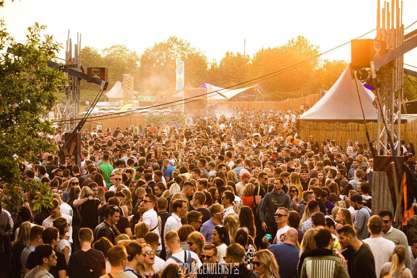 Primeur voor Ploegendienst: 10.000 man per dag op eerste festival van Breda, 'Heel bizar'